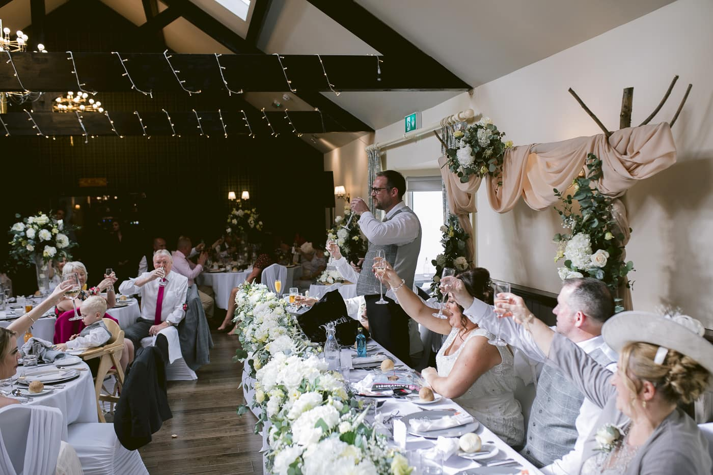 Big Cheers from Guests, Bride and Groom Photography Session