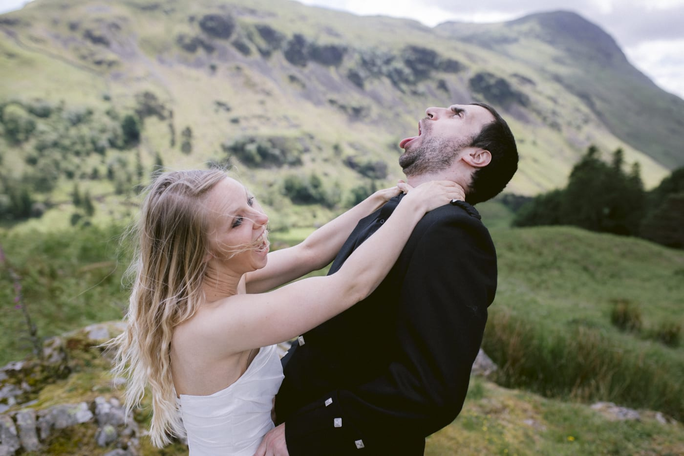 Kill the Groom in the Open Air Photography Portrait Session