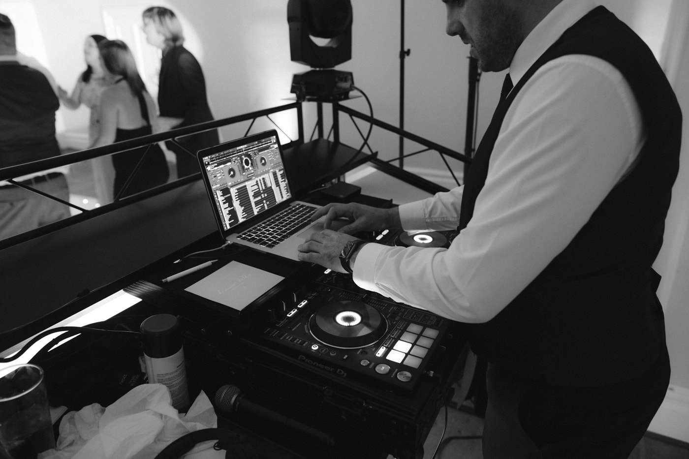 DJ Playing Wedding Songs at Storrs Hall Wedding